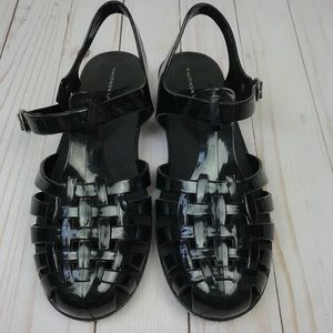 Chinese Laundry   Woven Jelly Closed Toe Sandals